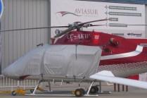 Tal como se aprecia en el anuncio detrás del AW119Kx, la oferta de Aviasur comprende una amplia gama de servicios: Desde un FBO en Pudahuel al mantenimiento de aeronaves, desde vuelos charter hasta la venta de helicópteros (foto: Fernando Puppio).