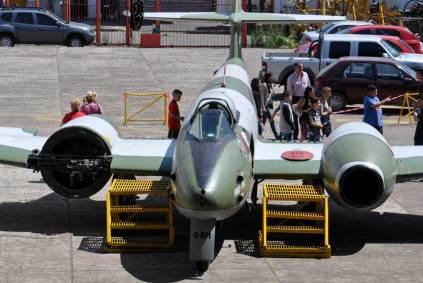 El C-071 expuesto sin parte del carenado delantero del motor derecho permitiendo apreciar algunos detalles poco habituales. (Foto: Esteban Brea)
