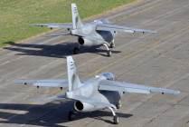 Sección de IA-63 rueda hacia la pista para iniciar su rutina de vuelo. (Foto: Mauricio Chiofalo)
