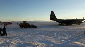 Ambos protagonístas en la Base Marambio. (Foto: FAA)