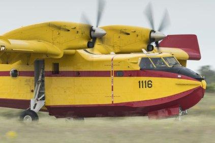El Canadair durante su demostración en León (foto: YFC Photography).