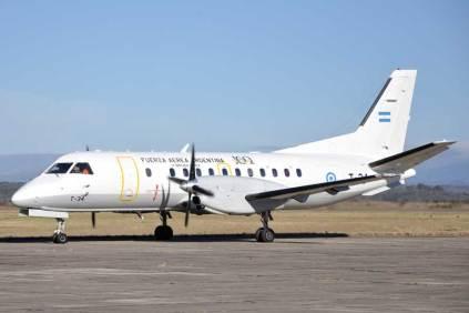 Saab 340B perteneciente a la IX Brigada Aérea encargado del traslado de personal de dicha unidad a la EAM. (Foto: Mauricio Chiofalo)