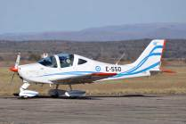 El E-550 retorna a la plataforma tras efectuar un vuelo con el JEMGFAA. (Foto: Mauricio Chiofalo)