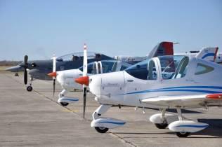 Línea de vuelo con el material perteneciente al Grupo Aéreo Escuela. (Foto: Mauricio Chiofalo)