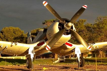 El 3-A-211 recibe los rayos del sol tras la tormenta al culminar una nueva edición del Atardecer de los Museos. (Foto: Lorenzo Borri)