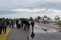 A pesar de que la meteorología no acompañó varios visitantes se congregaron en el MUAN para ser testigos de una nueva edición del Atardecer de los Museos. (Foto: Lorenzo Borri)