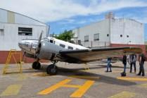 El Beechcraft C-45H Expeditor LV-123 dispuesto en el patio externo. (Foto: E. Brea)
