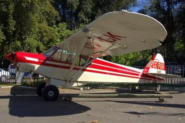 El siempre llamativo Piper PA-18 CC-PGK de Aerotrust (foto: Carlos Ay).