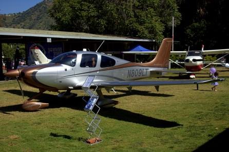 A pesar de su matrícula norteamericana, el SR22 N809LT lleva más de un año residiendo en Chile y su propiedad se atribuye a Carlos Marín Correa (foto: Carlos Ay).