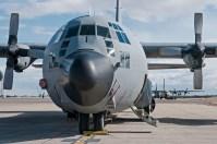 C-130H en plataforma (foto: José Luis Lezg).