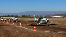 Cessnas CC-KKD, CC-KUJ and CC-KUA at the passenger boarding area (photo: Carlos Ay).