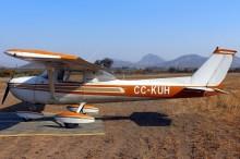 CUA Cessna 150 CC-KUH (photo: Carlos Ay).