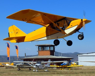 "Ultra STOL: Scout ULM-106 demonstrates its short take-off abilities to its ""tin can"" counterparts from Santiago Air Club (photo: Carlos Ay)."