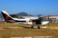 Para Skylane: GoJump's Cessna 182 CC-PPG landing after one of its many sorties during the day (photo: Carlos Ay).