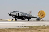 Turkish F-4E (photo: Ronald de Roij and Peter Kooijman)