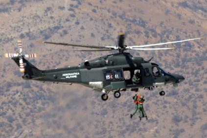 Demonstrating combat search and rescue capabilities (photo: Fernando Puppio).