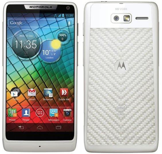 telefon-android-Motorola-Razr-i-Intel-Atom