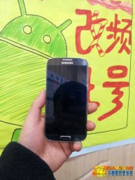 Telefon-Samsung-GALAXY-S4-model-GT-I9502 (11)