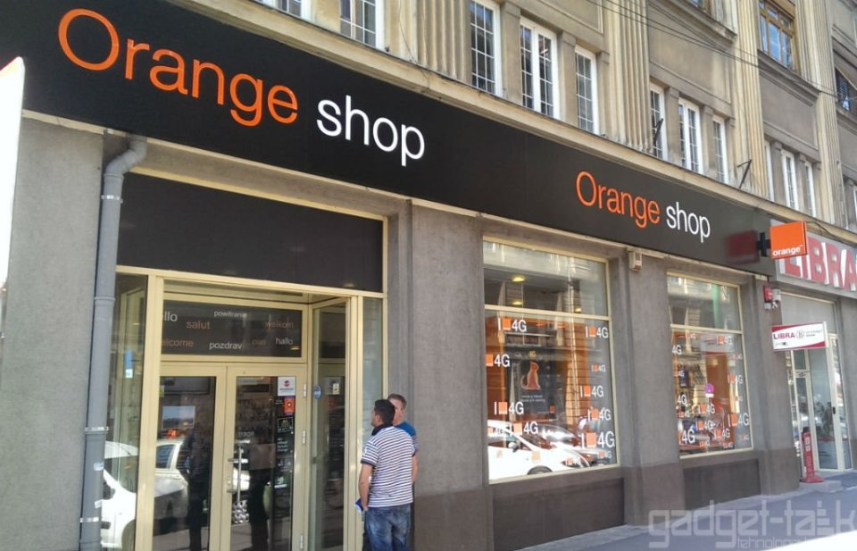 Orange ofera in premiera in Romania clientilor