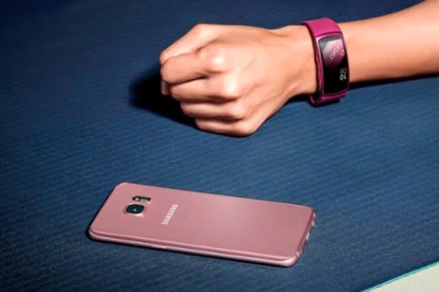Samsung Gear IconX, Gear 360 si Gear Fit2