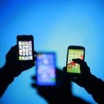 昨年のスマートフォン(スマホ)国内出荷が前年割れ 携帯全体で10%減、iPhone偏重が元凶か