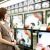 面接官「貴方の店はテレビを1万円で売っています」