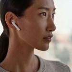 アップル、発売延期の無線イヤホン「AirPods」を発売開始