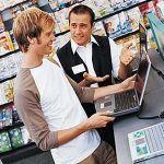 パソコンって電気量販店で買ったほうがええんか?