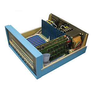 Altair_8800b_Computer_Front