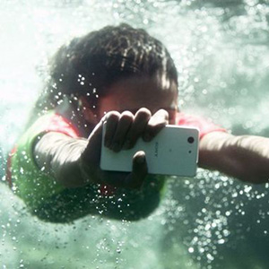 Xperia-Z3-Compact-underwater-680
