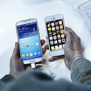 galaxy-s4-iphone