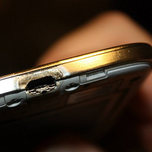 samsung-s4-burnt_2761391b