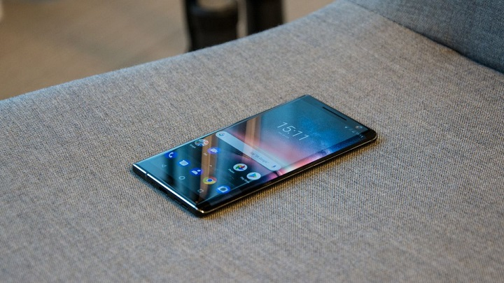 Nokia 8 Sirocco hands on review
