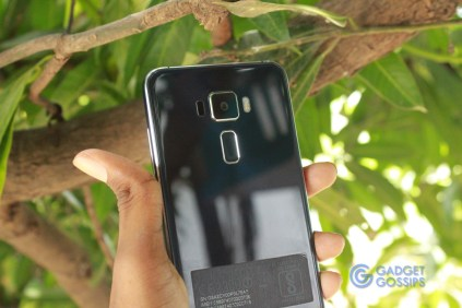 Asus Zenfone 3 Review -rear view
