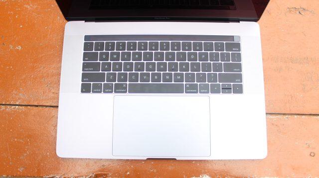 Apple MacBook Pro 2017 15 inch W/ Touchbar Unboxing & Initial impression