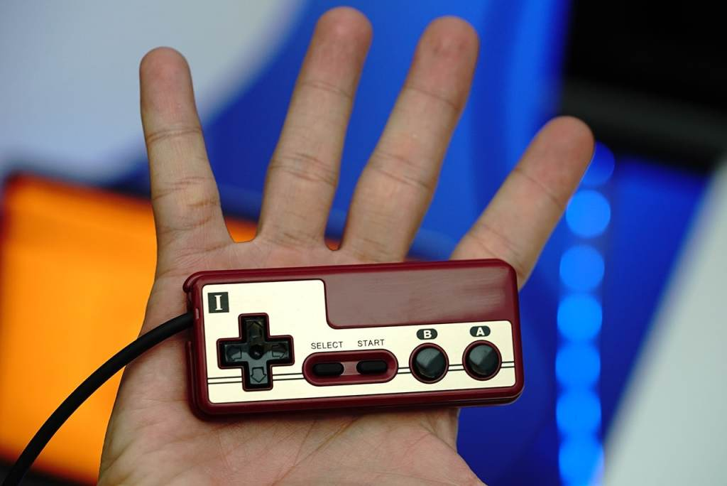 famicom-mini-05a-controller