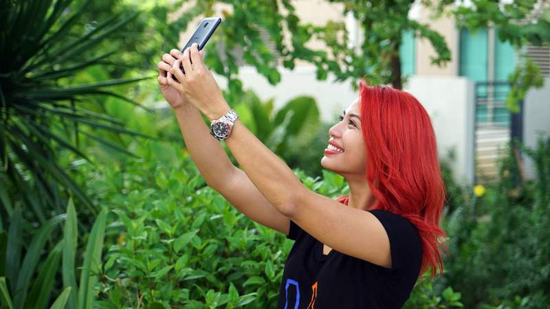 More selfies with the ASUS ZenFone 4 Selfie