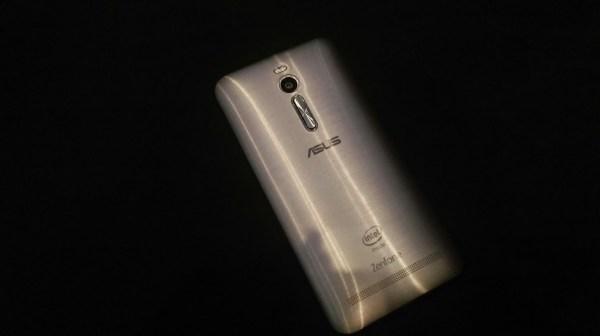 ASUS+Zenfone+2+Rear-Grey-Silver