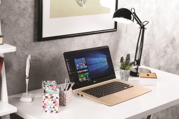 LG Gram Laptop_Moodshot 1