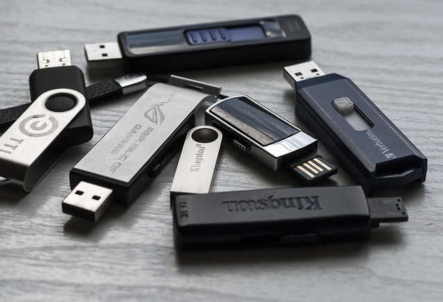A free Windows utility program called WinToUSB allows you to install the full copy of Windows 10 on any flash drive.