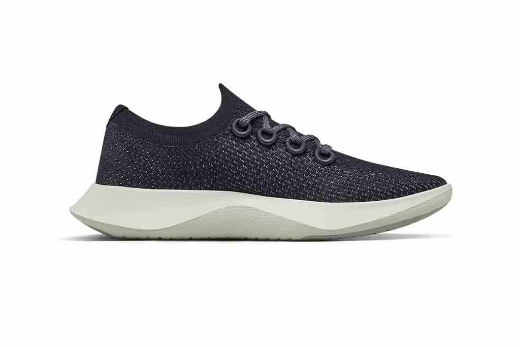 This image has an empty alt attribute; its file name is Allbirds-Dasher.jpg