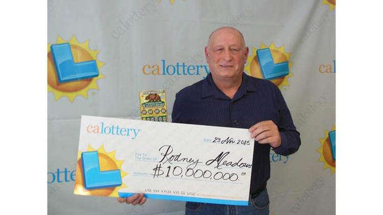 Homem ganha quase R$ 4 milhões em raspadinha, resolve comprar outras três delas e ganha mais R$ 38 milhões
