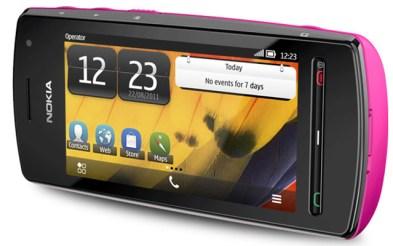 Nokia 600 con Symbian Belle