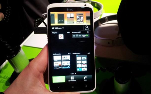 HTC One en la presentación del MWC2012
