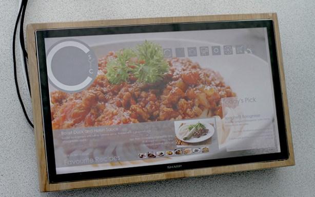 Chop Syc es un prototipo de tabla de cortar interactiva de Sharp