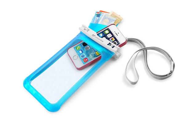 funda Voyager de Cellularline smartphone sumergible
