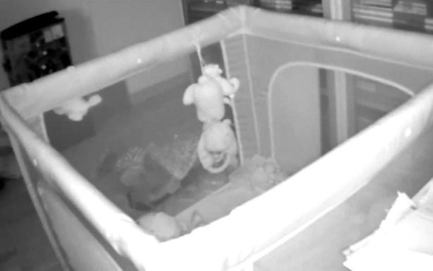 La visión nocturna de la Eye-On Baby Camera es muy buena