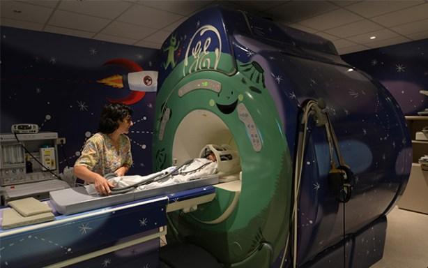 El Hospital Sant Joan de Déu y HP transforman las pruebas de diagnóstico por imagen en una aventura en el espacio