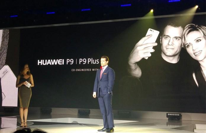 Huawei P9 y Henry Cavill. Foto de Marc Corredera