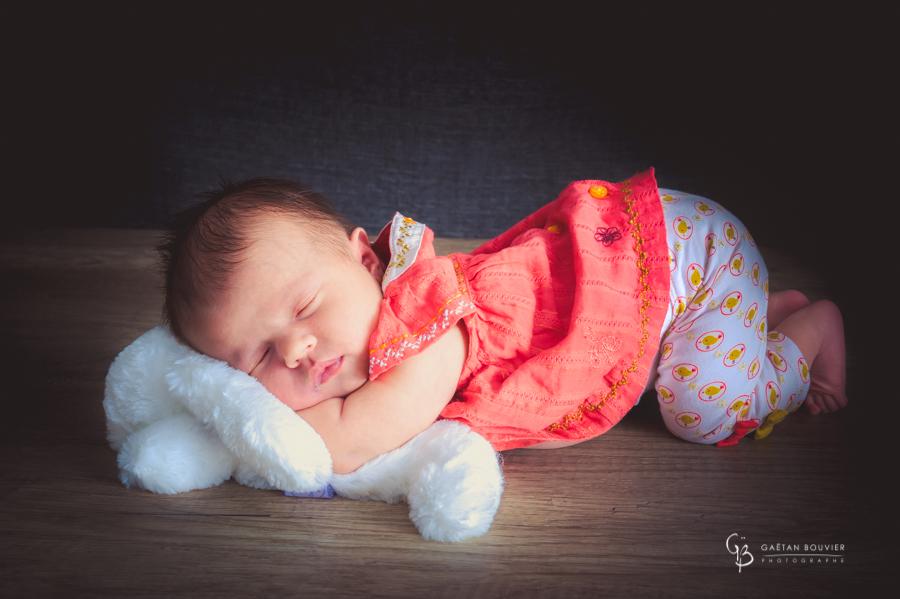 Séance-photo-bébé-nourrisson-Mâcon-bourg-en-bresse-chalon-sur-saone